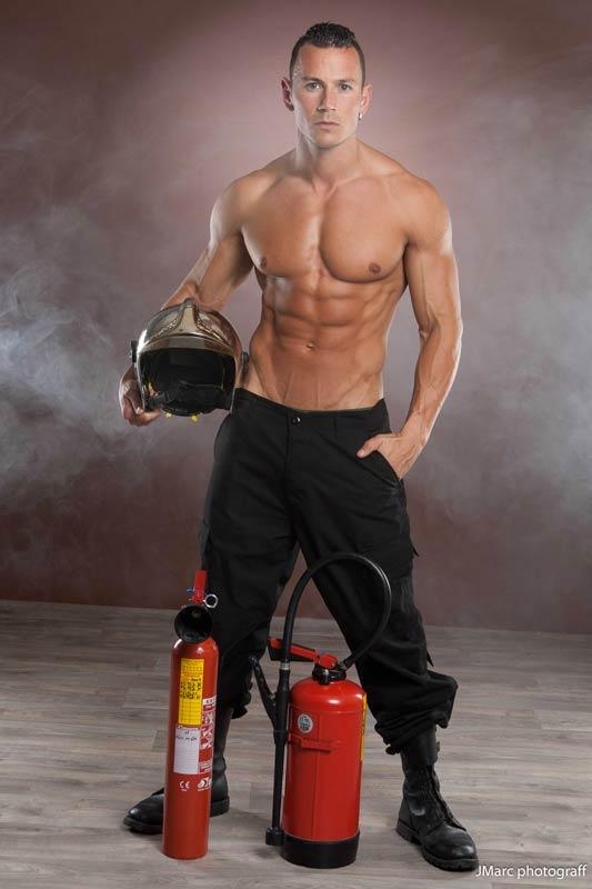 Chippendale costume pompier
