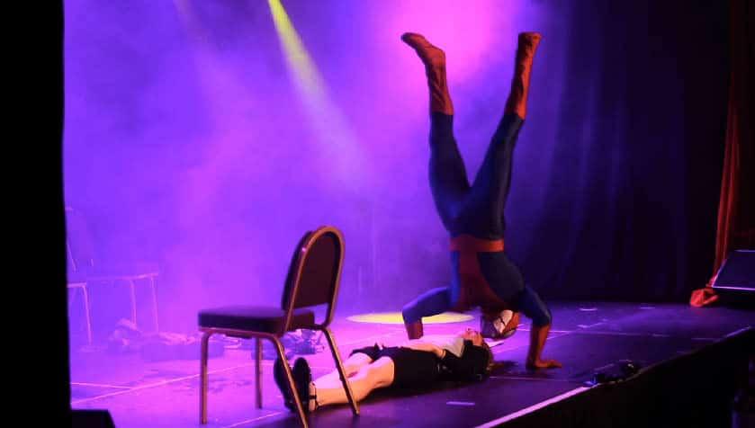 Stripteaseur costume Spiderman